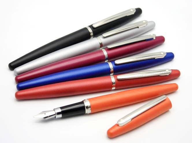 Fine Nib Red Nickel Trim Fountain Pen Sheaffer VFM Radiant Ruby w
