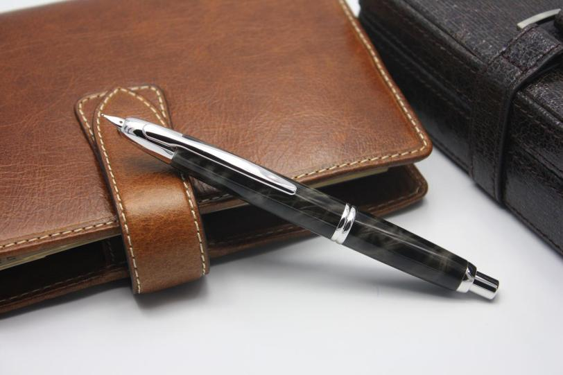 Pilot Capless Fountain Pen Charcoal Marble 2012 Limited Edition